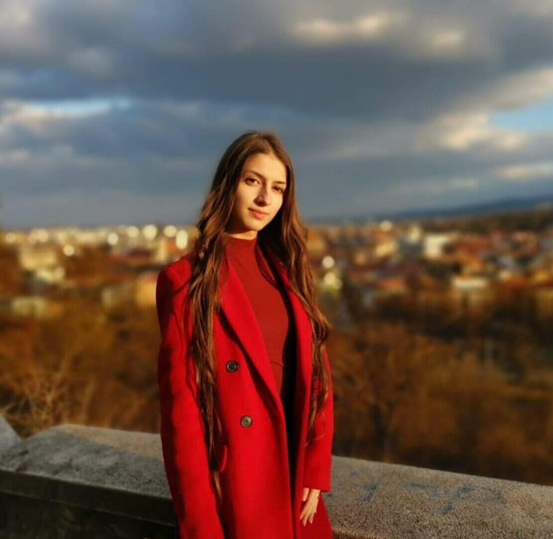 Scriitură în versuri, cu Denisa Lepădatu